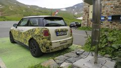 Mini Cooper SE, l'elettrica mostra i muscoli. E in un video... - Immagine: 24