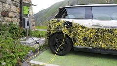 Mini Cooper SE, l'elettrica mostra i muscoli. E in un video... - Immagine: 26