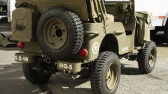 Mini Jeep Willys: la ruota di scorta e la tanica da 5 litri
