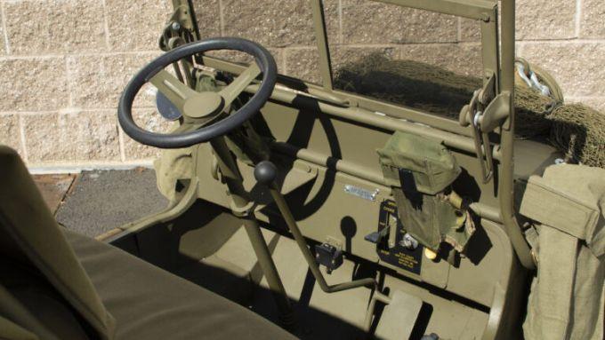 Mini Jeep Willys: l'abitacolo perfettamente ricostruito uguale all'originale