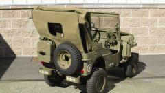 Mini Jeep Willys: una vista da dietro mostra la capote in tela