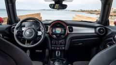 Mini John Cooper Works 2022: abitacolo