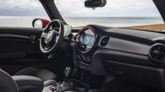 Mini John Cooper Works 2022: gli interni