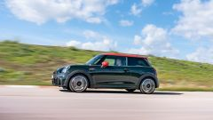 Mini John Cooper Works 2022: laterale