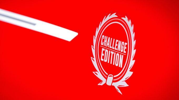 Mini John Cooper Works Challenge Edition: il logo che richiama lo stile anni '60