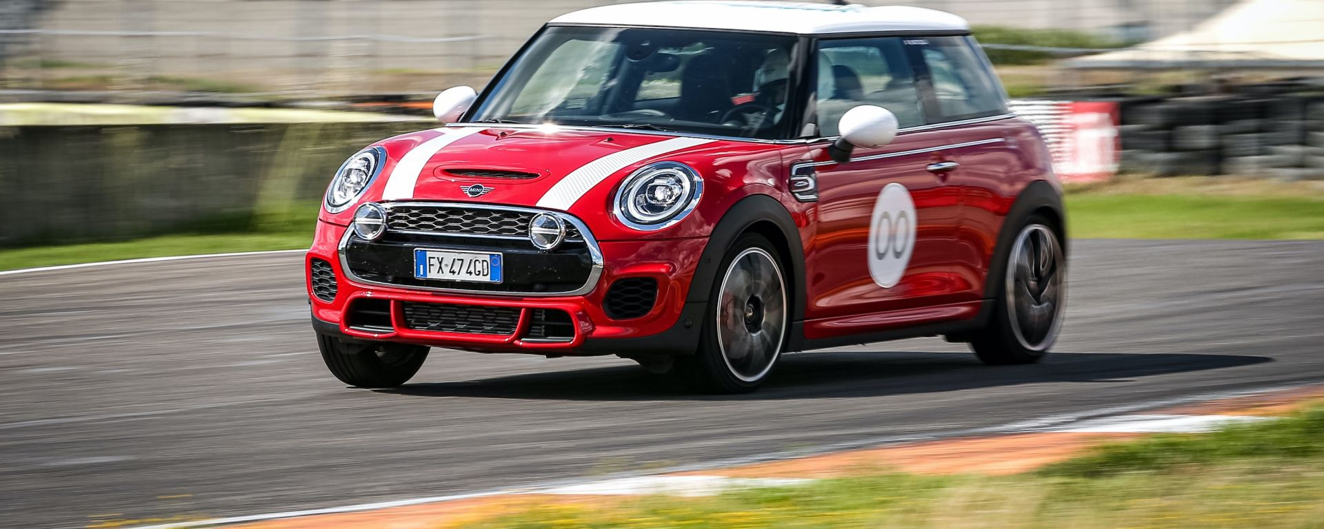 Mini John Cooper Works Challenge Edition: in pista