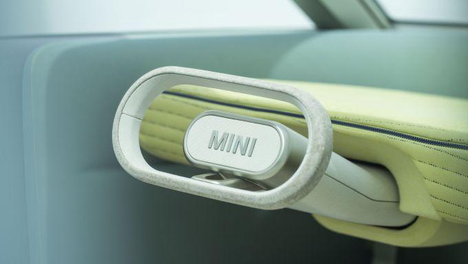 Mini Vision Urbanaut: il volante in sughero