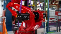 Mirafiori, robot Comau per produzione 500 elettrica