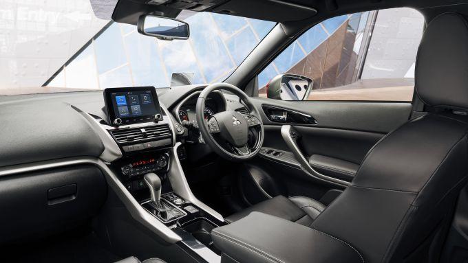 Mitsubishi Eclipse Cross 2021: gli interni