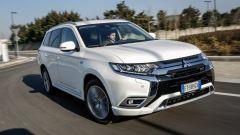 Mitsubishi Outlander PHEV: i vantaggi dell'elettrico senza l'ansia da ricarica - Immagine: 18