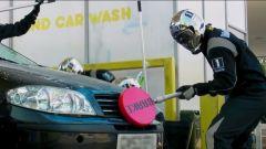 Mobil 1: un carwash in stile F1  - Immagine: 6