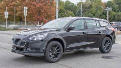 Ford Mondeo Crossover 2021: foto spia, motori, allestimenti