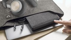 Mophie Powerstation USB-C XXL è rivestita in tessuto