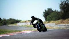 Aston Martin si da alle moto: la AMB 001 è già in pista - Immagine: 10