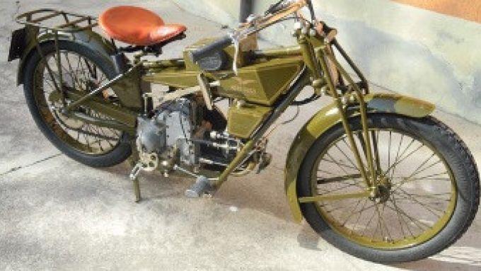 Moto Guzzi: la Normale è la prima 2 ruote ufficiale di Mandello