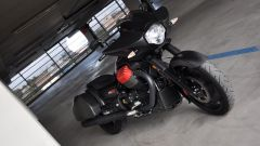 Moto Guzzi MGX-21, tre quarti anteriore