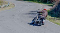 Moto Guzzi V7 850 2021 Stone e Special: il video del test - Immagine: 7