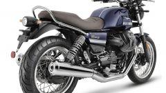 Nuova Moto Guzzi V7 2021: cilindrata aumentata e più tecnologia. Le foto - Immagine: 3