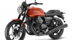 Nuova Moto Guzzi V7 2021: cilindrata aumentata e più tecnologia. Le foto - Immagine: 11