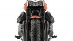 Nuova Moto Guzzi V7 2021: cilindrata aumentata e più tecnologia. Le foto - Immagine: 12