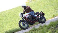Moto Guzzi V7 II Stornello: la prova della serie speciale - Immagine: 2