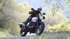 Moto Guzzi V7 II Stornello: la prova della serie speciale - Immagine: 3