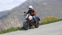 Moto Guzzi V7 II Stornello: la prova della serie speciale - Immagine: 4