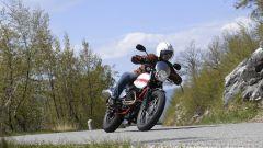 Moto Guzzi V7 II Stornello: la prova della serie speciale - Immagine: 6