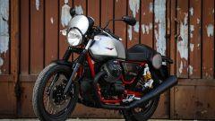 Moto Guzzi V7 III Racer: vista 3/4 anteriore