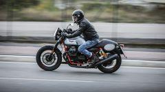 Moto Guzzi V7 III Racer: vista laterale