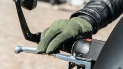 Moto Guzzi V7 Racer 10° Anniversario: i guanti TOM