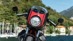 Moto Guzzi V7 Racer 10° Anniversario: il faro anteriore a LED