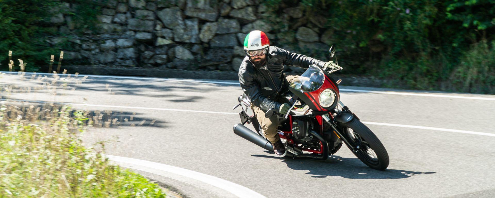 Moto Guzzi V7 Racer 10° Anniversario: la prova su strada