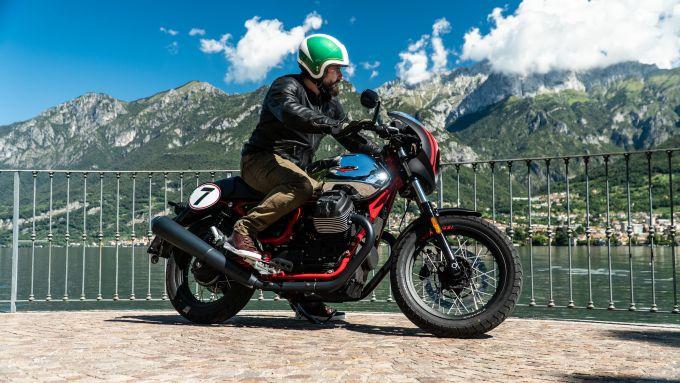 Moto Guzzi V7 Racer 10° Anniversario: l'abbigliamento