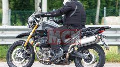 Moto Guzzi V85: avvistato il modello definitivo, ecco cosa cambia - Immagine: 2