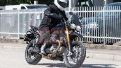 Moto Guzzi V85: pizzicata per strada nei dintorni di Mandello del Lario