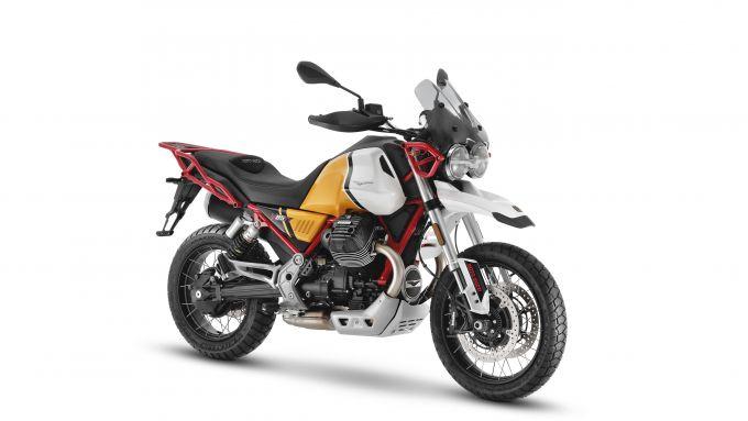 Moto Guzzi V85 TT 2021: 3/4 anteriore