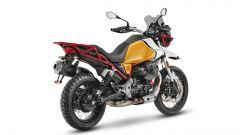 Moto Guzzi V85 TT 2021: 3/4 posteriore