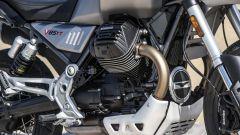 Moto Guzzi V85 TT: il cilindro destro e la trasmissione finale ad albero cardanico
