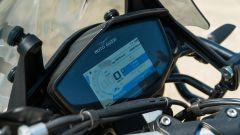 Moto Guzzi V85 TT: il cruscotto digitale