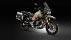 Moto Guzzi V85 TT Travel 2020: vista 3/4 anteriore