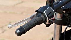 Moto Guzzi V9 Bobber Sport: i comandi del blocchetto di sinistra