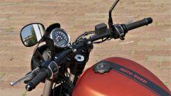 Moto Guzzi V9 Bobber Sport: il manubrio