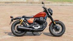 Moto Guzzi V9 Bobber Sport: vista laterale