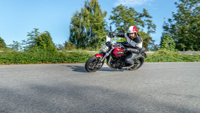 Moto Morini Milano: la prova su strada