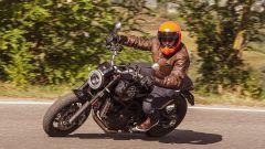 Moto Morini Super Scrambler 1200: nonostante il manubrio alto si guida con piacere