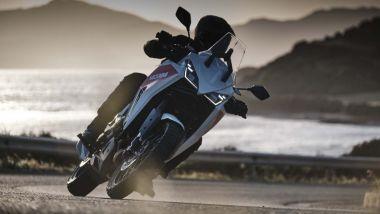 Moto Morini X-Cape 2021: la livrea bianco/rossa