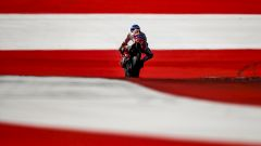 MotoGp 2016: Andrea Iannone il più veloce nei test Austriaci, Casey Stoner non correrà il prossimo GP - Immagine: 21