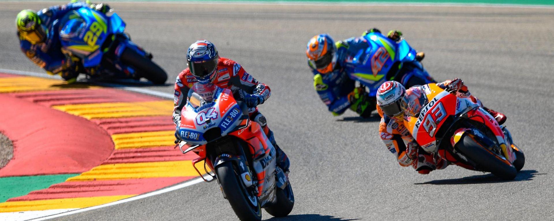 MotoGP Aragona 2018, Dovizioso inseguito da Marquez e dalle Suzuki di Rins e Iannone