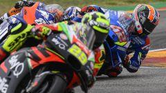 MotoGP Aragona 2019, Alcaniz, Andrea Iannone (Aprilia) inseguito da Alex Rins (Suzuki)
